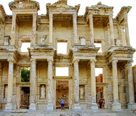 Travel to the Ancient City of Ephesus