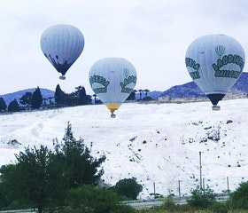 Explore Pamukkale With a Balloon Tour